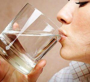 Como perder peso con agua